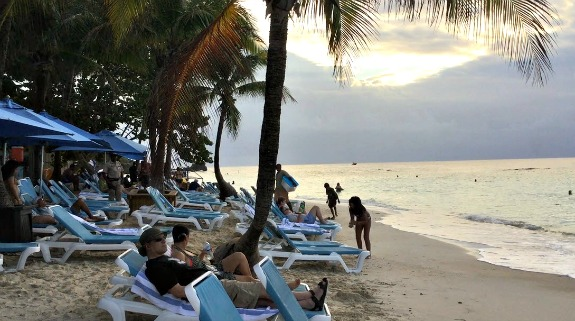 Sunset at West Bay Beach in Roatan.