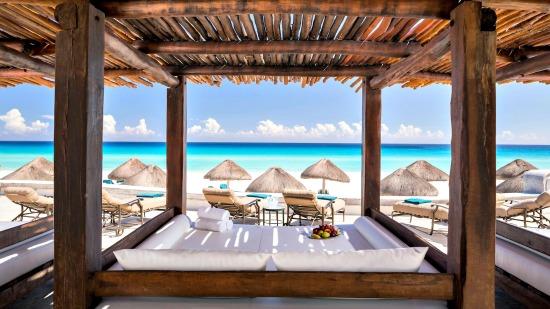 Bali beds at JW Marriott Cancun Resort & Spa