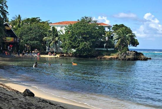 The beach in West End Roatan